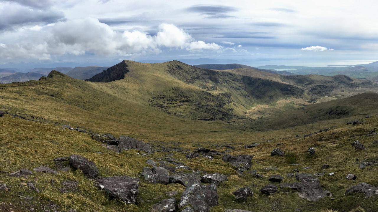 Mount Brandon: Blick über Dingle